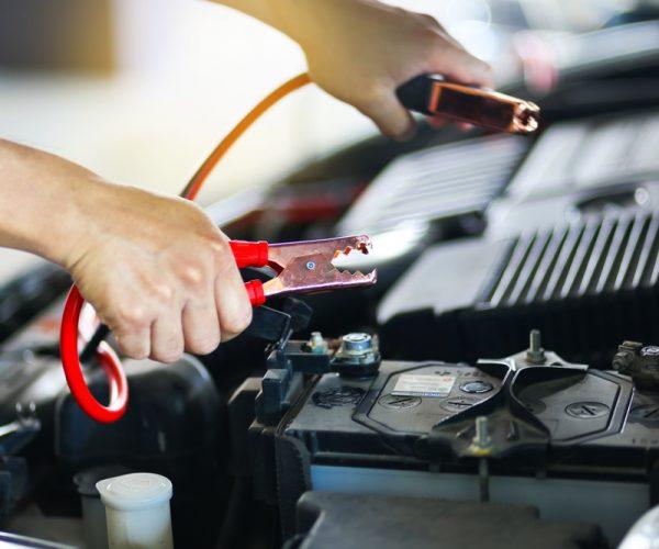 Ako predísť vybitiu autobatérie